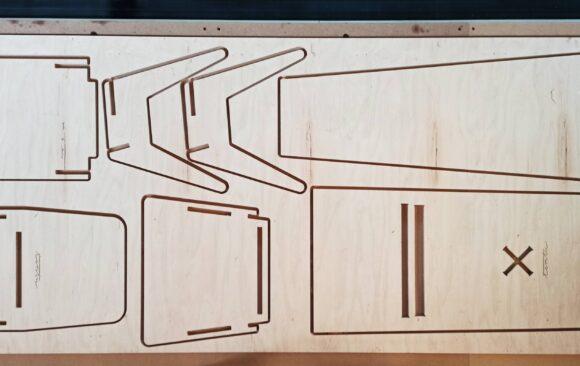 Realizacje: Prototypowanie mebli ze sklejki