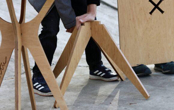 Realizacje: Składane meble ze sklejki