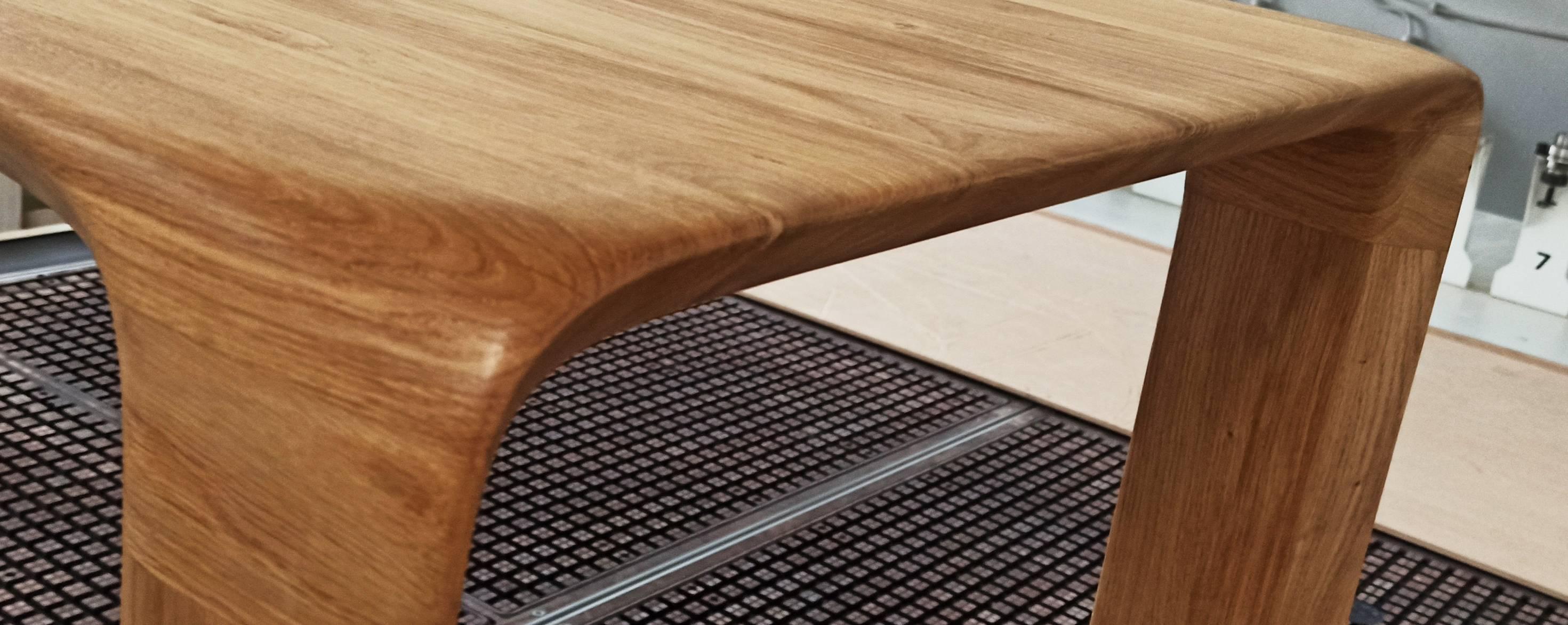stół w jednolitej formie
