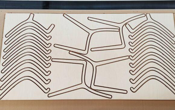 Realizacje: frezowanie elementów mebli ze sklejki