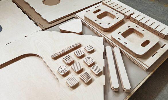 Realizacje: Frezowanie CNC elementów zabawek edukacyjnych ze sklejki