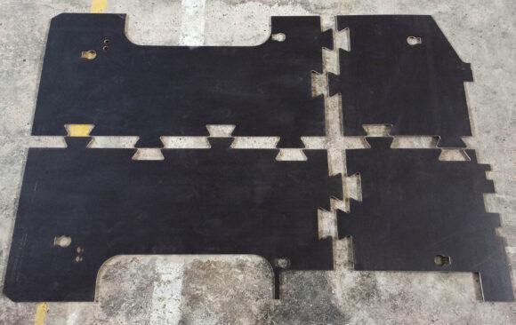 Realizacje: Frezowanie CNC podłogi technicznej do samochodu dostawczego